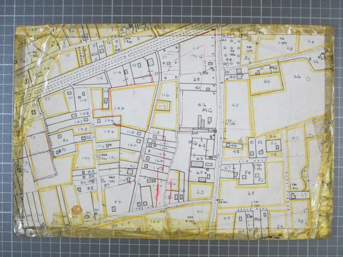 'Springfield' Basildon Road 1928 to 1955. | BDC 1949 survey map of Basildon Road.  Springfield is Plot No. 91.  Tanglewood is Plot No. 92.