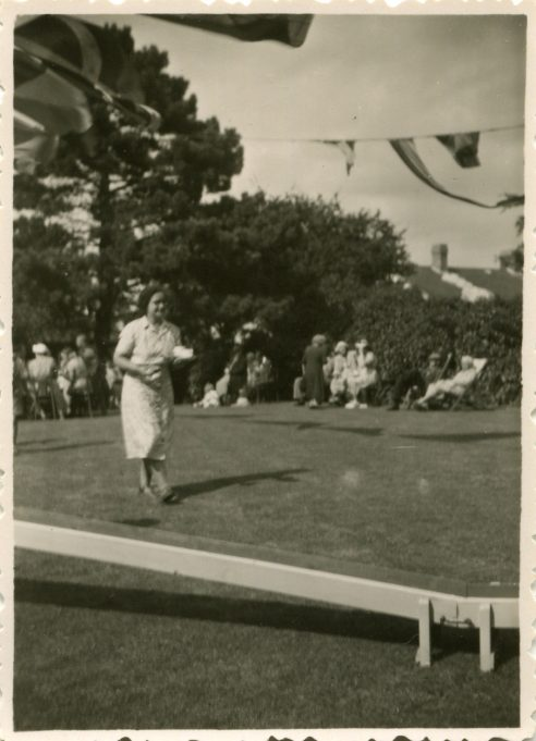 'Springfield' Basildon Road 1928 to 1955. | Nora Mitchell at a fete held in the back garden of a home in Basildon Road.