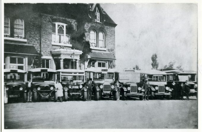 Old Tom Motor Services - outside Laindon Hotel. | Ann and John Rugg.