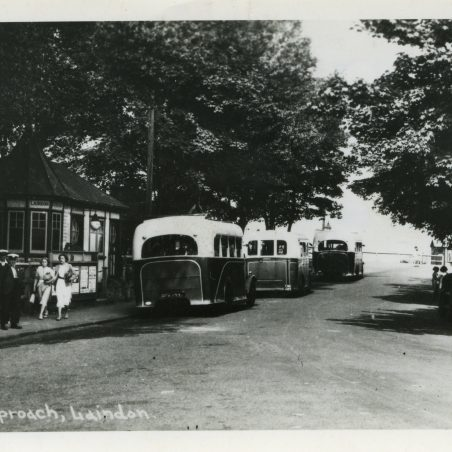 City Coach Company vehicles in Laindon Station yard 1936.   Ann and John Rugg.