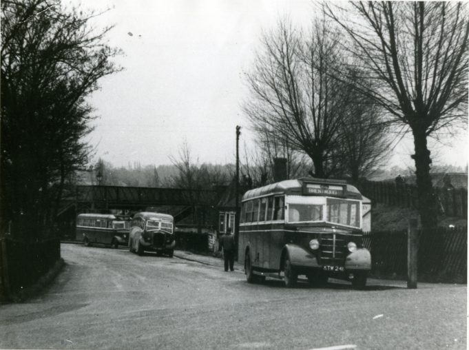 City Coach Company vehicles in Laindon Station yard. | Ann and John Rugg.