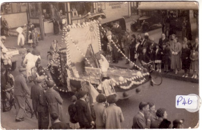 Laindon Carnival 1937, corner of Essex Road.