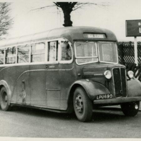LPU690 - City Coach Company - vehicle in Laindon Station yard, going to Ongar via Blackmore.   Ann and John Rugg.