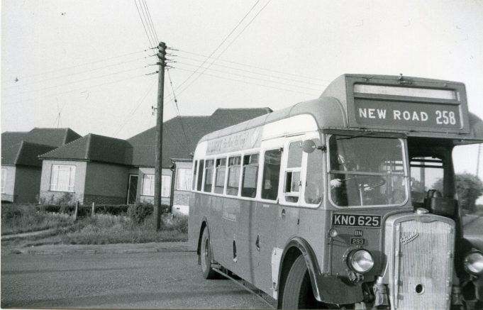 KNO625 - Eastern National bus turning round in Church Road, Laindon. | Ann and John Rugg.