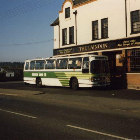 Green Line coach waiting outside Laindon Hotel (August 1986).   Ann and John Rugg.
