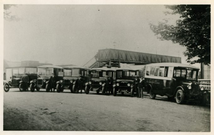 Old Tom Motor Services at Laindon Station.   Ann and John Rugg