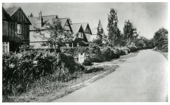 South side of Basildon Road - undated. From the left, Aberdour, Clydeville, Killarney, The Burrs and Clovelly.