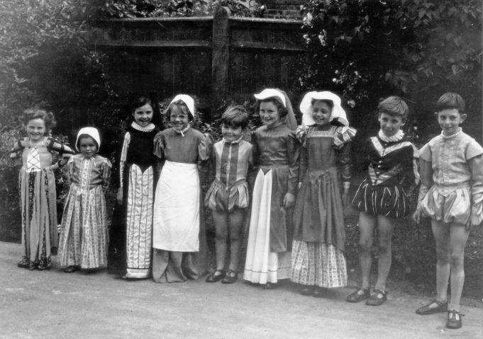 Langdon Hills School pageant 1952. From left to right.  Jill Adams, ??, ??, Joyce Smith, ??, ??, Jessie Hernandez, Richard Woollen. Peter Jackson. | Jill Barnes (née Adams)