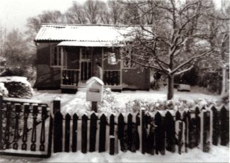 'Elsa Villa', Colony View Road.  The lady behind the post box is David's Aunt Audrey.   David Edwards.