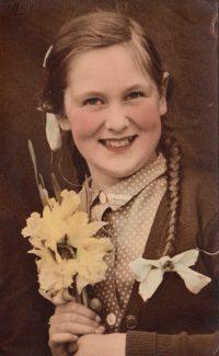 Me at Markhams Chase 1951 | Joyce Butt née Tyler
