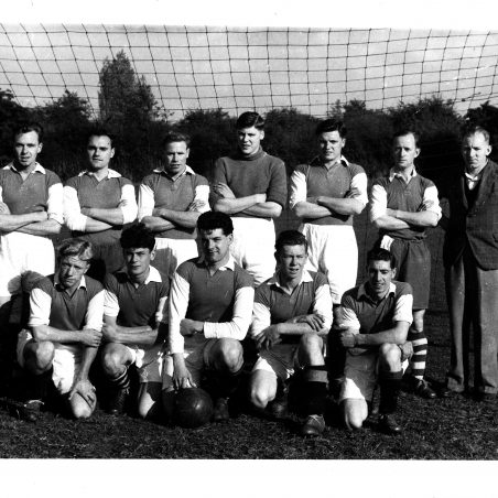 LAC 1952/3 (Click on photo to see the names we have and add a comment with additional names) | Sid Rose