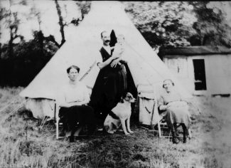Percy & Ethel Hill with sister Winnie 1926 -note hut in background