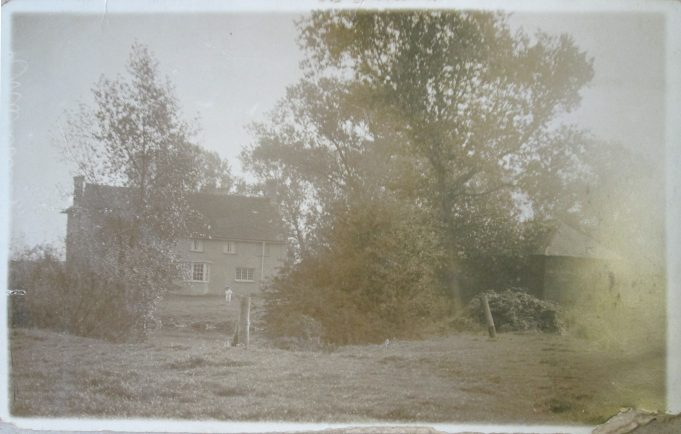 Lee Chapel Farm from another angle. Date unknown.