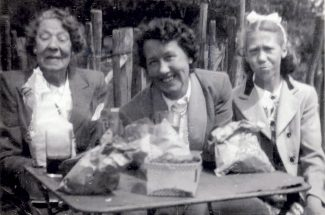 Grandma Sarah Wilkins (left) mother Annie (middle) Sylvie (right). | Sylvie Currington.