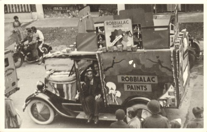 Robbialac Paints trade vehicle in the High Road close to its junction with Essex Road. 1937/8