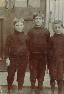 Sidney in the middle with Brothers Bill and Frank at Langdon Hills School | Peter Sloper