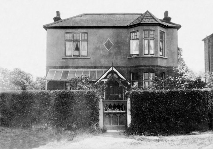 St Elmo, Victoria Avenue, Langdon Hills, date unknown but thought to be approx. 1920. | Jill Barnes (née Adams)