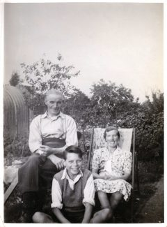 Thomas Edward Taylor and family moved to Laindon 1930
