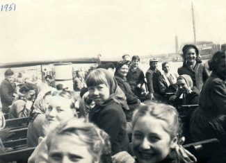 Trip up Thames from Markhams Chase school 2 May 1951. Festival of Britain in background, I'm the one in beret with plaits. Skylon in background | Joyce Butt née Tyler