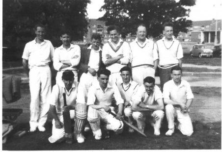 Photographs cricket teams in Laindon