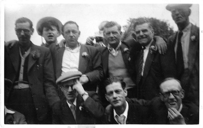 Mens day out from Winstone Club approx 1945