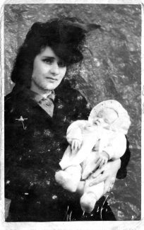 My beautiful mum (Violet Sewell) and me 1942 | Gloria Sewell