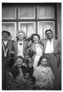 Nan and granpa Davies Harry and Lou Hill and two pals outside Lilac 1940s | Gloria Sewell