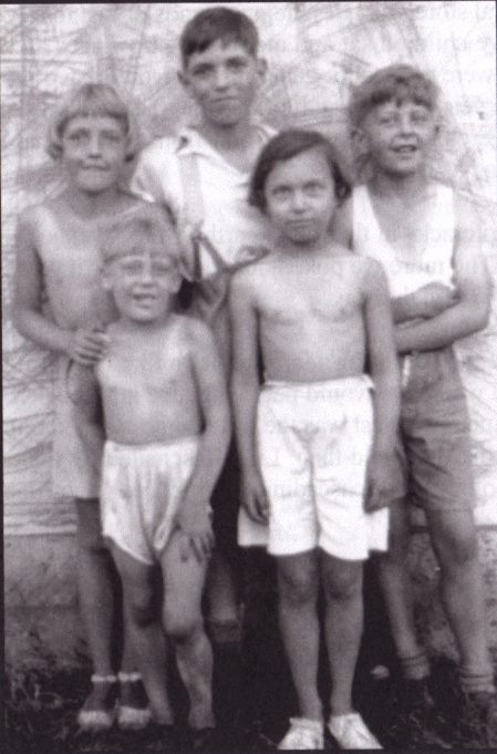 Our Gang at tha Bungalow, 1935. L to R at back Pam, Brother Billy, Reggie Nash. L to R front Myself, cousin Terry
