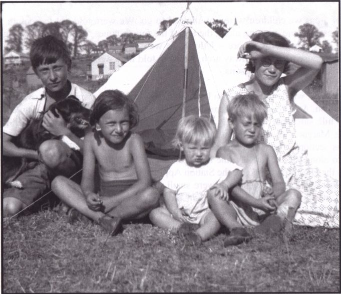 A typical snapshot from the pre-war bungalow days. Theauthor, aged about five is the sad looking youngster on the right. Others are various visiting relations.