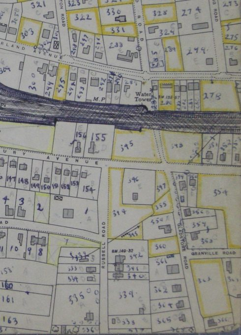 25 inch O.S. map showing the north section of Gladstone Road and Russell Road, the water tower is number plot 287