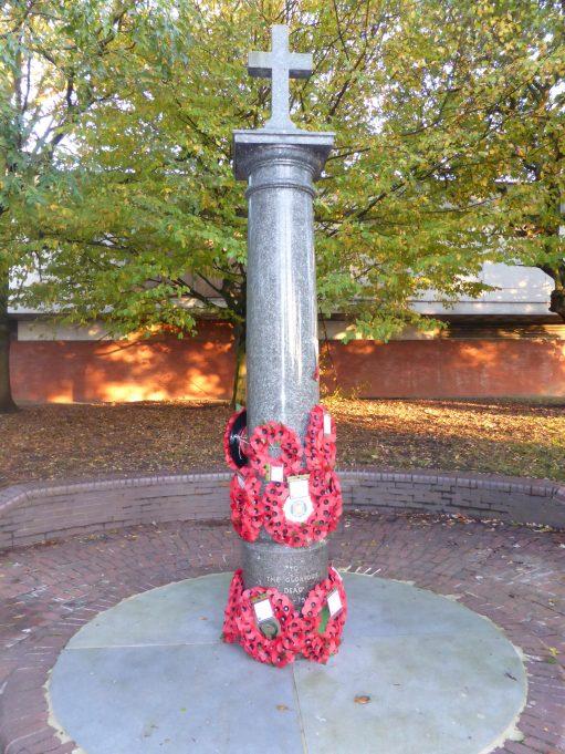 Laindon War memorial